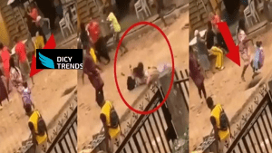 Read more about the article Lady And Her Child Almost Break Their Legs After Being Distracted By A Street Fight