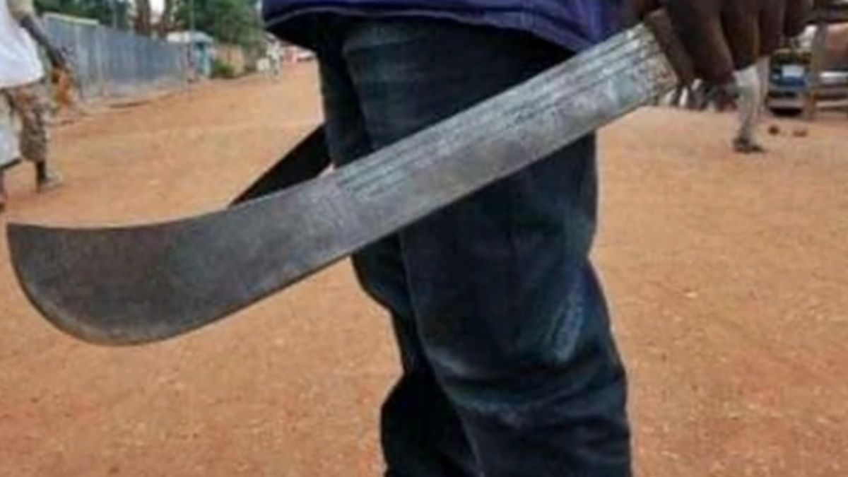 Read more about the article Man Attempts Suicide After He Butchers Wife To Death.